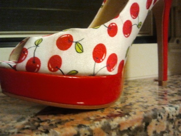 Decollete Pin Up Ciliege peep toe